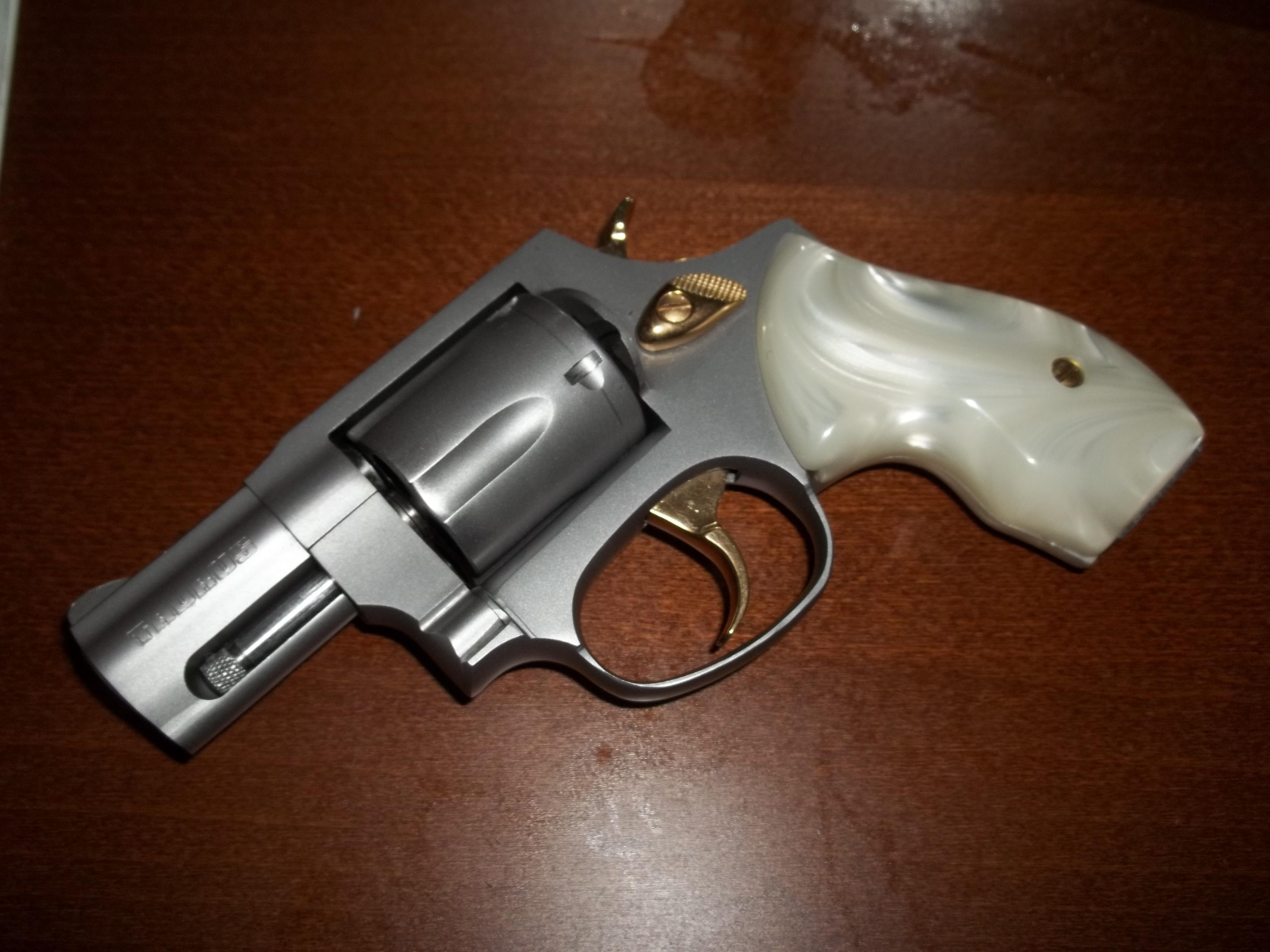 some pics of my taurus model 85   nicknamed her  u0026quot pearly u0026quot