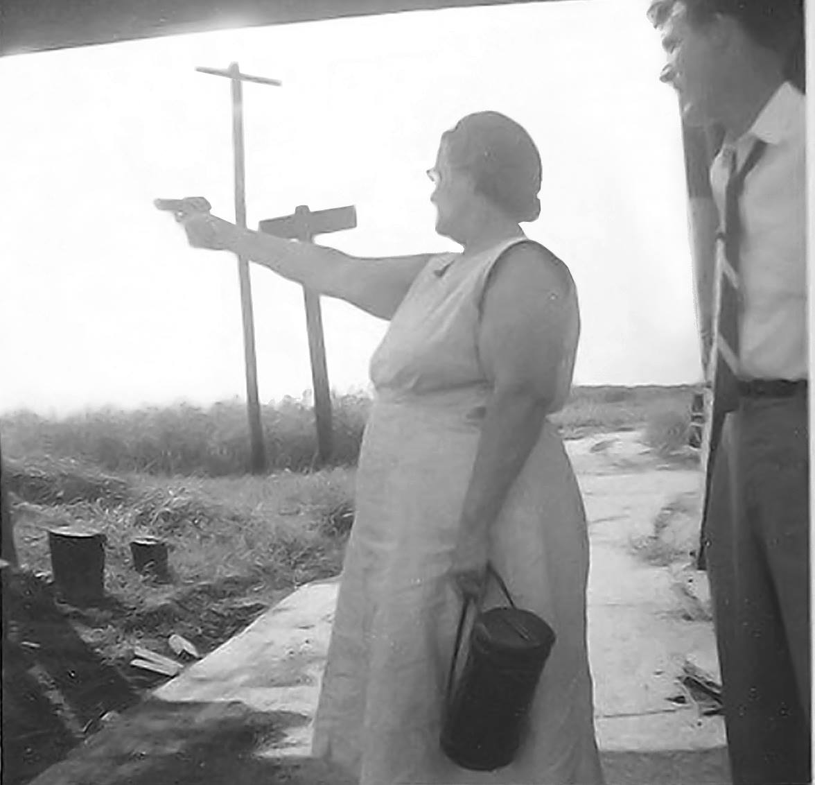 Name:  don't mess with Texas women!, 1954.jpg Views: 137 Size:  79.9 KB