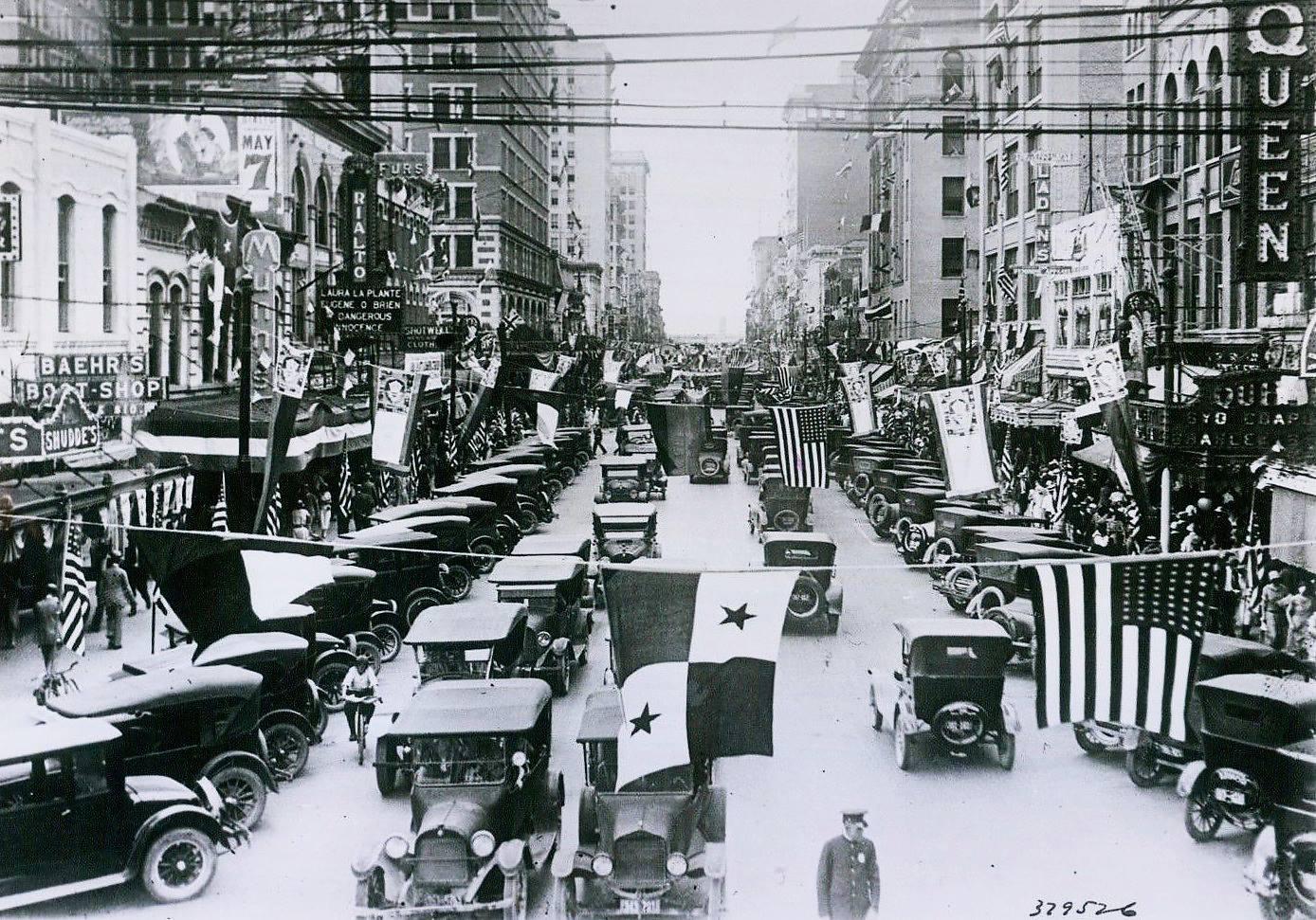 Name:  downtown Houston, 1935.jpg Views: 233 Size:  310.4 KB