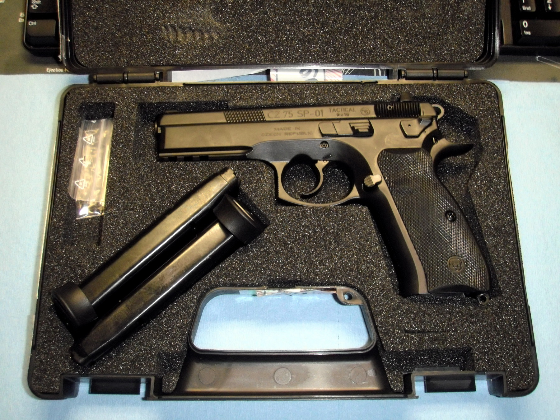Review of the CZ75 SP01 Tactical unicorn
