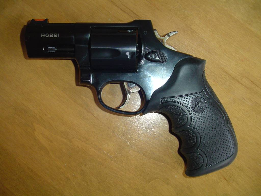 Rossi 44Mag with Pachmayr grips