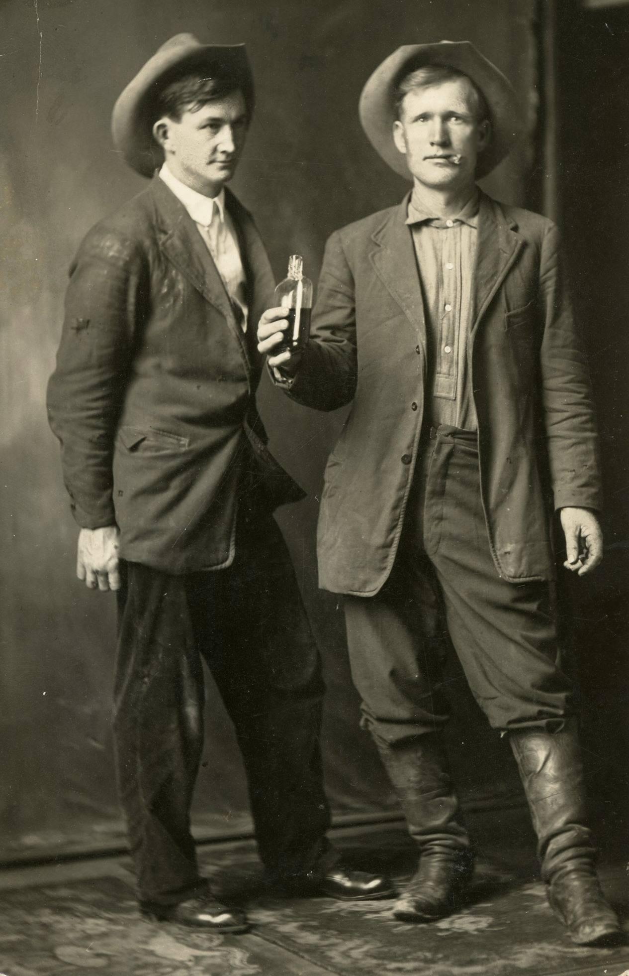 Name:  Texas cowboys, 1910.jpg Views: 240 Size:  214.0 KB