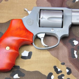 mini DSC 1114 M 85 38 Special with Modified grip