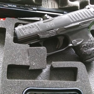 Walther PPQ Subcompact LE.